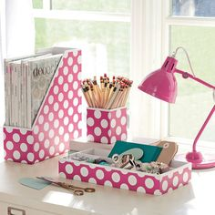 Printed Desk Accessories, Set of Magazine Caddy, Divided Tray and Cup, Carmine Rose Dottie - Teen & Kids Study Accessories Dorm Room Organization, Desktop Organization, Diy Organisation, Organizing, Pink Desk, Gold Desk, Ideias Diy, Dorm Life, College Life