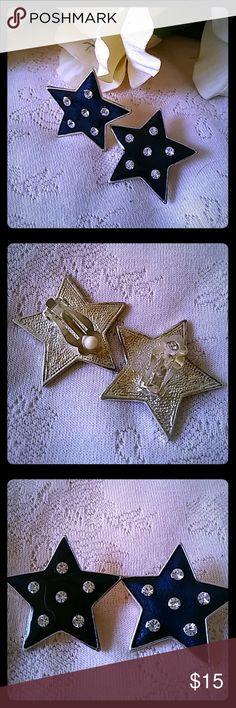 Vintage Black Enamel Star Earrings Clip-on backs. Clear rhinestones. Nice weight. Jewelry Earrings