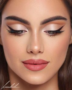 There's nothing 'Basic' about this everyday glam! 💖 Full face of on Using the Laura Mercier Flawless Lumière… Bride Makeup, Glam Makeup, Makeup Inspo, Wedding Makeup, Makeup Inspiration, Beauty Makeup, Face Makeup, Makeup Trends, Bold Makeup Looks