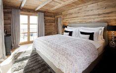 Создатели Chalet N, которое было совсем недавно построено в одном известном зимнем курорте Австрии, уверяют, что любой, кто побывает здесь, будет помнить этот отдых до конца своих дней. И глядя на потрясающие виды, открывающиеся из окон этой роскошной деревянной виллы, с ними просто невозможно не согласиться! К тому же, шале расположилось в красивом и практически … Beauty Spa, Farm Gardens, Cabin, Rustic, Architecture, Bed, Furniture, Home Decor, Chalets