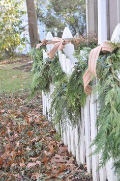 NINE + SIXTEEN: Making Your Christmas Garland Tutorial. Christmas Greenery, Christmas Porch, Outdoor Christmas Decorations, Green Christmas, Country Christmas, Christmas Lights, Outdoor Garland, Christmas Ideas, Christmas Garlands
