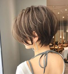 short hair for round face asian layered haircuts Short Hair With Layers, Short Hair Cuts For Women, Back Of Short Hair, Short Short Hair, Short Bobs, Layered Haircuts, Short Bob Hairstyles, Asian Haircut Short, Undercut Short Hair