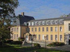 Parc du château de Morsang-sur-Orge - Médiathèque à l'entrée du parc