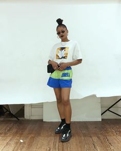 stand up bitch I don't need no chair 💸 Tomboy Outfits, Chill Outfits, Tomboy Fashion, Dope Outfits, Fashion Killa, Streetwear Fashion, Trendy Outfits, Fasion, Summer Outfits
