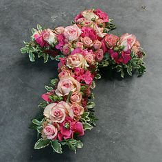 Cross flower arrangement for a funeral Funeral Flower Arrangements, Modern Flower Arrangements, Casket Flowers, Silk Flowers, Church Flowers, Funeral Flowers, Wreaths For Funerals, Funeral Caskets, Funeral Sprays