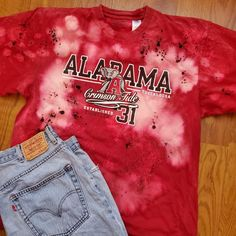 Roll Tide! Alabama football distressed  t-shirt Vintage Denim, Vintage Tops, Vintage Dresses, Vintage Outfits, Gold Formal Dress, Pink And White Dress, Green Cardigan, Embroidered Tunic, Alabama Football
