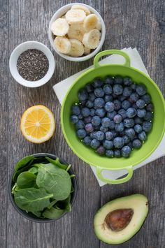 Blueberry Avocado Spinach Smoothie Healthy recipe for a creamy Blueberry Avocado Spinach Smoothie. Just blend + eat! Great as an on-the-go breakfast smoothie or a sweet protein-packed pre-workout snack. Healthy Protein Snacks, Healthy Breakfast Smoothies, Healthy Drinks, Healthy Recipes, Simple Recipes, Protein Smoothies, Snacks Recipes, Blender Recipes, Jelly Recipes