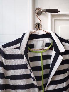 ♥︎ Raidat ovat vahva kevään merkki. Maijan raidat ovat tietenkin Oui:n. Sweaters, Fashion, Moda, Fashion Styles, Sweater, Fashion Illustrations, Sweatshirts, Pullover Sweaters, Pullover