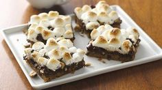 Gluten-Free Rocky Road Bars - Let Pillsbury® Gluten Free chocolate chip cookie dough help you make these delicious gluten-free bars that the whole family will love! Gluten Free Bars, Gluten Free Deserts, Gluten Free Sweets, Foods With Gluten, Gluten Free Baking, Sans Gluten, Gluten Free Recipes, Gf Recipes, Dairy Free