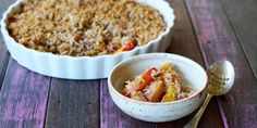Our friends, The Merry Maker Sisters have created the perfect fruity dessert: this naturally sweet Paleo Peach Crumble.
