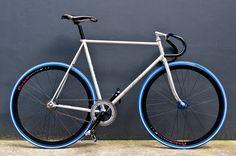 http://www.hypebeast.com/image/2009/08/carnival-tokyo-kinfolk-fixed-gear-bike-1.jpg