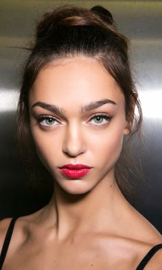 101 Party Makeup Ideas to Try This Holiday Season - bold red lip | Beauty Looks | Night out makeup