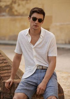 Why mens fashion casual matters? Because no one likes to look boring! But what are the best mens fashion casual tips out there that can help you […] Outfits Jeans, Men's Casual Outfits, Streetwear, Summer Outfits Men, Men Summer Style, Beach Outfits, Outfit Summer, Winter Outfits, Summer Dresses