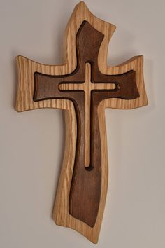 Woodworking Projects For Girlfriend wooden cross.Woodworking Projects For Girlfriend wooden cross Wooden Crosses, Wall Crosses, Wooden Art, Wooden Crafts, Crosses Decor, Woodworking Furniture, Woodworking Crafts, Woodworking Quotes, Woodworking Tools