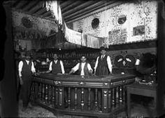 1915, interior de una pulqueria de lujo