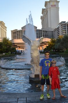 Vegas with Kids - trip planning ideas and FREE stuff to do there