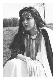 ♥ une belle jeune brunette , Chaouia