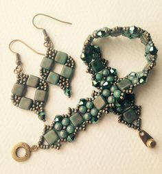 Beautiful matte teal Picasso finish Czechmates and matching 4mm turquoise teal druk beads woven with matte metallic tawny gray Miyuki 11/0 seed