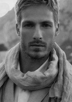 orphic-essence:    handsome handsome handsome!