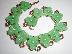 RARE 1950 Vintage JADEITE GLASS Chinese Theme RHINESTONE Bracelet by TRIFARI #Trifari Chinese Theme, My Favorite Color, My Favorite Things, Spring Green, Jade Green, Green Colors, Bohemian Style, Envy, Illustration