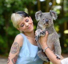 Melanie at the Australia zoo. Melanie Martinez Pictures, Melanie Martinez Songs, Crybaby Melanie Martinez, Cry Baby, Fire Drill, Doja Cat, Sending Love And Light, Favorite Person, Adele