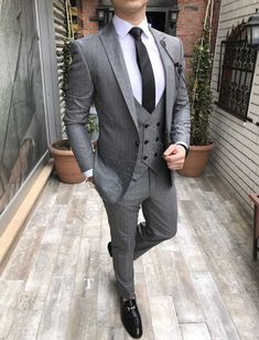 Guys stylish ideas mensfashiontrends is part of Designer suits for men - Grey Slim Fit Suit, Black Suit Men, Mens Fashion Wear, Suit Fashion, Fashion Clothes, Marriage Suits, Italian Mens Fashion, Blazer Outfits Men, Herren Style
