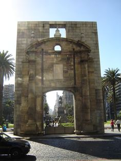 URUGUAY | City Gate, was the gate of old Montevideo