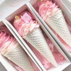 8,915 vind-ik-leuks, 75 reacties - caroline khoo | nectar & stone (@nectarandstone) op Instagram: 'If your celebrating national ice-cream day - enjoy '