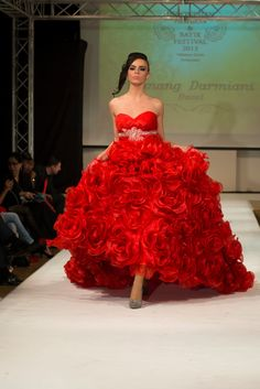 Red Gothic Couture sweet heart Wedding by KomangDarmiani on Etsy, $19,990.00