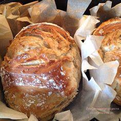 Ζουζουνομαγειρέματα: Ψωμί χωρίς ζύμωμα και χωρίς μεγάλη αναμονή! Bread Recipes, Cooking Recipes, Rolls, Eat, Kitchen Sets, Baby Tips, Food, Greek, Essen