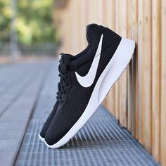 Nike Tanjun black – Sneaker für Herren – bei Deichmann online bestellen für 64,90€ >> http://deich.mn/29edff  << #Sneaker #Men #Schuhe #Deichmann