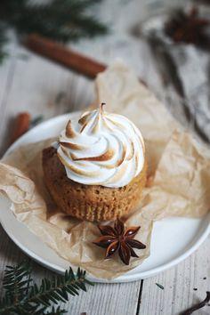 Rezept für Lieblingslieblings-Lebkuchencupcakes mit flambierter Marshmallowcreme