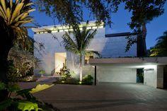 Coral Gables Residence By Touzet Studio | HomeDSGN