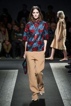 MMD FW 2014/15 – N°21. See all fashion show on: http://www.bmmag.it/sfilate/mmd-fw-201415-n21/ #fall #winter #FW #catwalk #fashionshow #womansfashion #woman #fashion #style #look #collection #MMDFW #n21