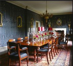 Stud House, designed by Patrick Kinmonth in collaboration with antiques dealer Edward Hurst. WoI Oct Simon Upton/The World of Interiors Country Style Homes, Town And Country, Hampton Court, English House, World Of Interiors, Home Decor Styles, Interior Inspiration, The Hamptons, Beautiful Homes