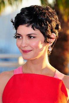 """Taylor Swift Makes It A Three-peat; Audrey Tautou Says """"Non"""" To Hollywood's Impossible Beauty Standards; And More…"""