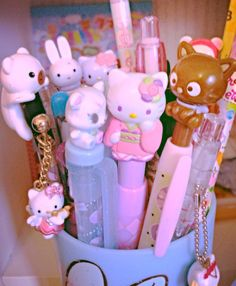Studying at my cute desk ^^ School Stationery, Kawaii Stationery, Cool School Supplies, Cute Desk, Cute Stationary, Hello Kitty Items, Kawaii Room, Kawaii Accessories, Pink Aesthetic