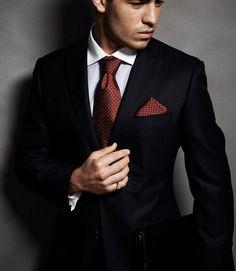 Costume noir - découvrez comment l assortir à une chemise et une cravate! À quelle  chemise et cravate associer ... c63828c9deb0