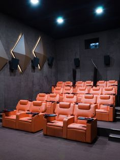 5400 HOLLYWOOD - Designer Cinema seating from FIGUERAS ✓ all information ✓ high-resolution images ✓ CADs ✓ catalogues ✓ contact information ✓. Home Theater Room Design, Home Cinema Room, Home Theater Setup, At Home Movie Theater, Home Theater Rooms, Home Theater Seating, Theater Seats, Auditorium Design, Auditorium Seating