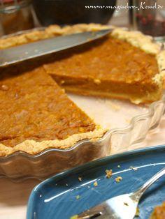 Es wird Herbst und die Kürbisse springen einem fast in jedem Geschäft in die Tasche - was liegt da näher, als endlich mal einen Pumpkin Pie zu backen?