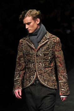30c1c5a1 Dolce & Gabbana available at Luxury & Vintage Madrid, the leading fashion  shopping website