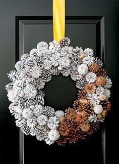 A Fresh Tradition: pine cone wreath spray painted white.a few left natural. Pine Cone Art, Pine Cone Crafts, Wreath Crafts, Pine Cones, Diy And Crafts, Christmas Crafts, Wreath Ideas, Diy Xmas, Christmas Fun