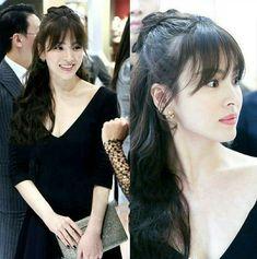송혜교 · Song Hye Kyo Korean Haircut Long, Korean Bangs Hairstyle, Long Hair With Bangs, Haircuts With Bangs, Long Wavy Hair, Song Hye Kyo Style, Song Hye Kyo Hair, Cute Girl Face, Prom Hairstyles