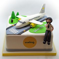 Need a birthday cake for a party in Brussels? Need a corporate cake? We will design your cake with pleasure. Call us on 483 69 09 63 to book your cake. Airplane Cakes, Airplane Birthday Cakes, Planes Cake, 3rd Birthday Cakes, Fondant Cakes, Cupcake Cakes, Reese Peanut Butter Cake, Travel Cake, Baby Boy Cakes