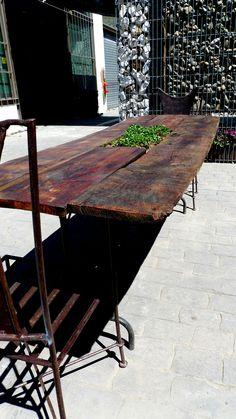 Mesa jardinera Table, Furniture, Home Decor, Window Boxes, Mesas, Green, Interior Design, Home Interior Design, Desk