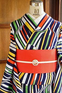 "Graphical stripe ""YUKATA"" ! (A yukata is a Japanese garment, a casual summer kimono usually made of cotton. )"