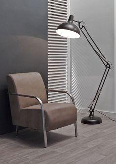 Vloerlamp Luxo - Zwart uitvergrootte retro lamp uit de collectie van DaViDi Design. Deze lamp is nu verkrijgbaar bij Furnies.nl! Bestel hem vandaag nog!