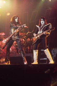 Kiss Members, Kiss Pictures, Kiss Photo, Greatest Rock Bands, Ace Frehley, Hot Band, Veterans Memorial, Band Photos, Music Photo