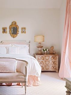 Adding That Perfect Gray Shabby Chic Furniture To Complete Your Interior Look from Shabby Chic Home interiors. Parisian Chic Decor, Parisian Bedroom Decor, Shabby Chic Bedrooms, Bedroom Vintage, Shabby Chic Homes, Shabby Chic Furniture, Shabby Chic Decor, Bedroom Ideas, Parisian Room