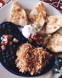 Quesadillas for lunch.  #food #foodie #foodpics #foodgasm #foodporn #foodisfuel #foodies #foodism #foodiegram #foodiechats #foodblog #blog #gastronomia #gastronomy #foodbloggers #gastronomic #foodblogger #indianfoodblogger #sodelicious #sodelish #sodelhi #lbbd #uponmypalate #indianfoodblogger #foodtalkindia #buzzfeedfood #indianfoodbloggers #zomato #zomatoindia
